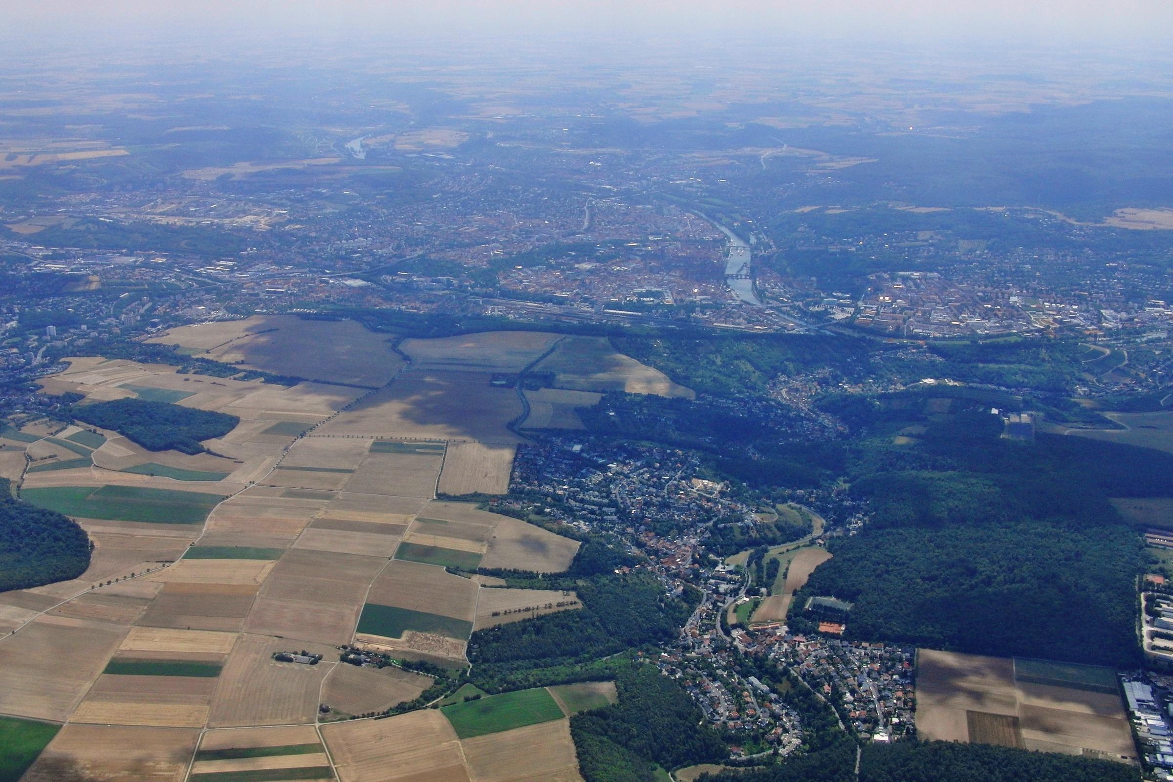 Hoch über Würzburg auf Strecke
