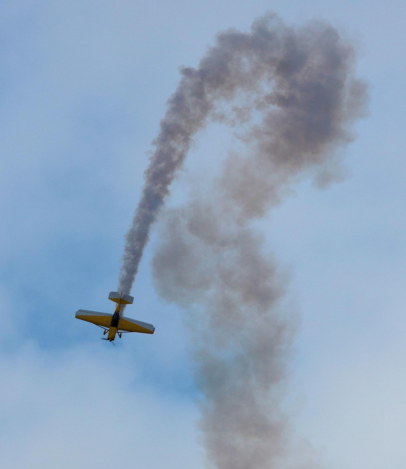Upside down - rasanter Kunstflug mit der Rans S9