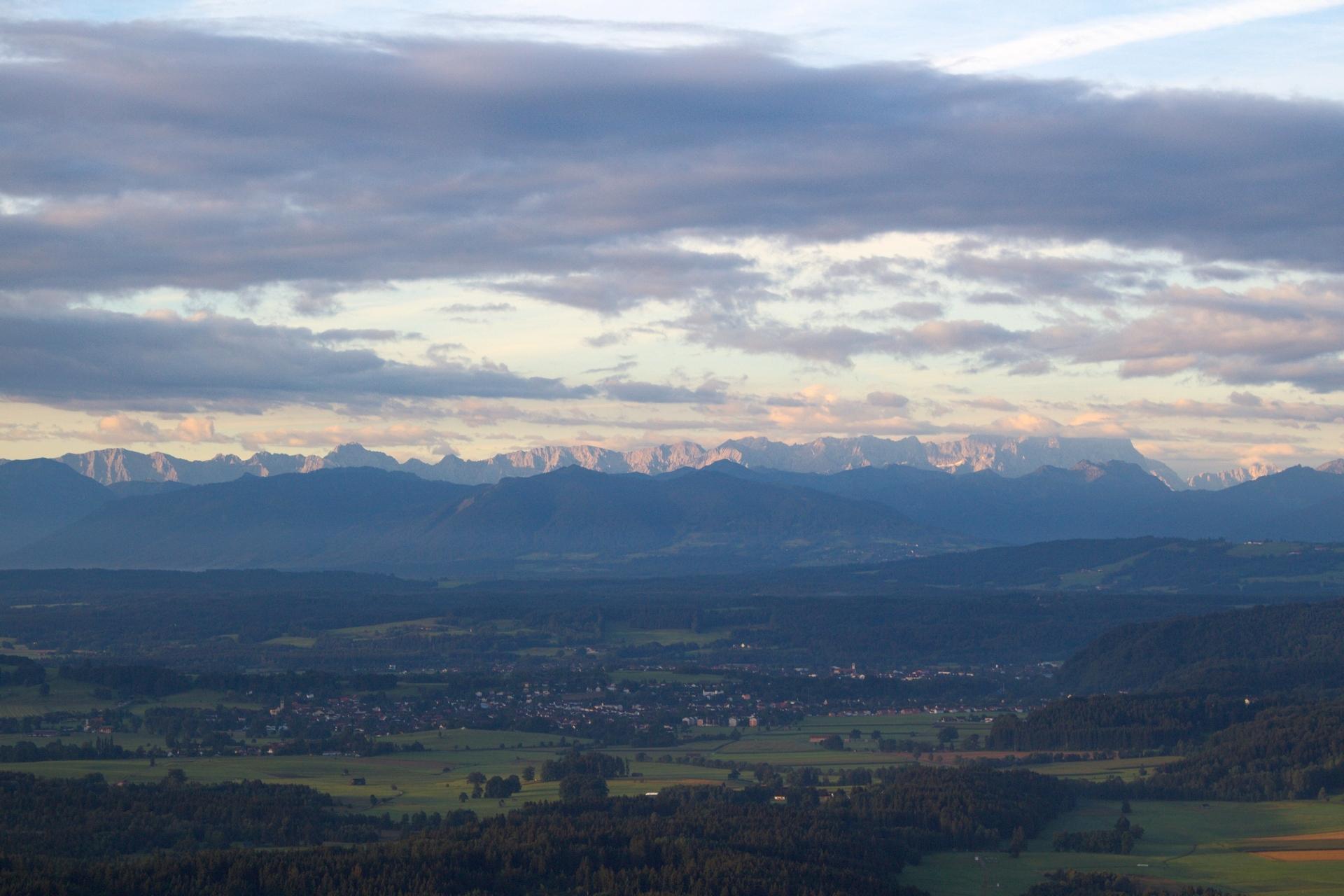 Die Sonne kommt - die Berge glühen